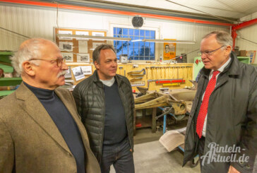 VW, Porsche & Co: Ministerpräsident Stefan Weil zu Gast im Rometsch Karosseriemuseum Hessisch Oldendorf
