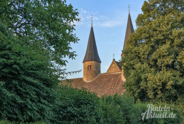 Kloster, Kirche, Kaffee und Kuchen: Mobiler Kaffeeklatsch zu Gast in Möllenbeck