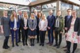 Mitarbeiter für Leistungen geehrt: Fortbildung auf hohem Niveau in der Volksbank in Schaumburg