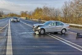 Wenden auf der Umgehungsstraße: Sechs Verletzte und Totalschaden