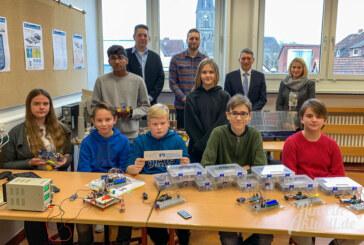 Technik, die begeistert: Hildburgschule richtet mit Hilfe der Volksbank Technikraum ein