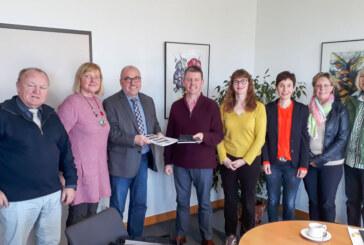 Chorgesang und Schülertanz zum Altstadtfest / Berufsschulen wollen Zusammenarbeit neu beleben
