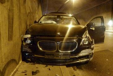 Weserauentunnel: BMW-Fahrer (21) verliert Kontrolle und rammt Audi