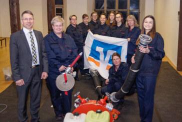Neues Outfit für Damen-Wettkampfgruppe der Feuerwehr Möllenbeck