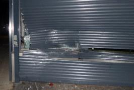 Einbrecher im VW scheitern an Jalousien