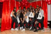 Bunt, laut und abgefahren: Jubiläums-Prunksitzung des Rintelner Frauenkarnevals