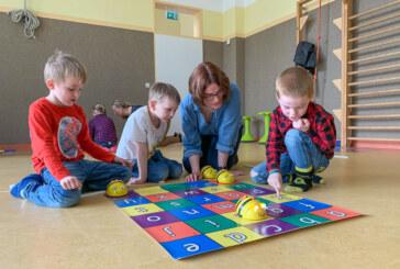 Kita-Kinder und die elektronische Biene