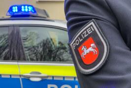 Jacken und T-Shirts im Vorbeifahren gestohlen