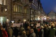 Gefährden Brückentor-Plakate die Sicherheit der Bundesrepublik Deutschland?