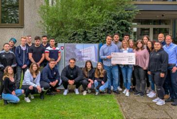 Berufsschüler spenden über 1.800 Euro an Kinderkrebsstation