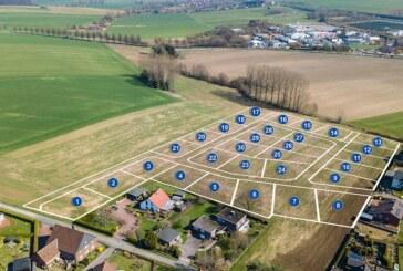 """Volksbank: Grundstücksverkauf im Baugebiet """"Teichbreite"""" in Rehren startet"""