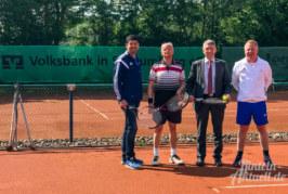 Volksbank in Schaumburg sponsert Sonnenschutz für Spieler des SV Engern