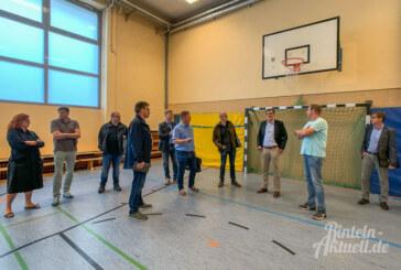 Bauausschuss nimmt Turnhalle am Kollegienplatz unter die Lupe