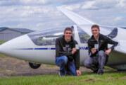 Traum vom Fliegen verwirklicht: Ole und Malte Bachmann bestehen die praktische Flugprüfung