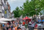 """""""Fast wie in Holland"""": Jede Menge Radfahrer zu Besuch bei Rintelner Bauernmarkt"""