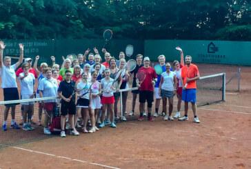 Tennis bis Mitternacht: Jung und Alt bei Rot-Weiß Rinteln in bester Spiellaune