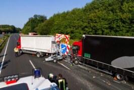 Schwerer Unfall auf A2 bei Veltheim: LKW prallt auf Absicherungsfahrzeug