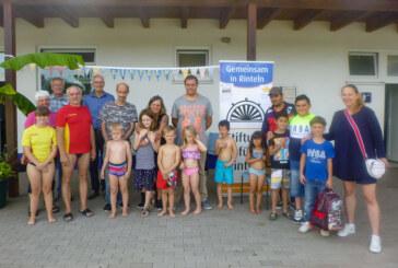 Schwimmkurs der Stiftung für Rinteln gestartet: Stiftung stellt sich im Weserangerbad vor