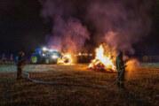 Strohballen in Exten brennen: Nächtlicher Einsatz für Feuerwehren Exten und Strücken