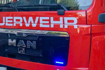 Altöl am ALDI abgestellt: Einsatz für die Feuerwehr Rinteln