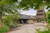 Gottesdienst im Gemeindegarten: Dahlien gegen Spende