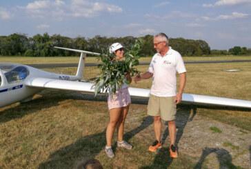 Ausbildungserfolge beim Luftsportverein Rinteln: Flugschülerin begann im April mit der Ausbildung