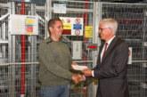 Stüken dankt ehrenamtlichen Helfern mit Spende an Höhenrettung Schaumburger Land