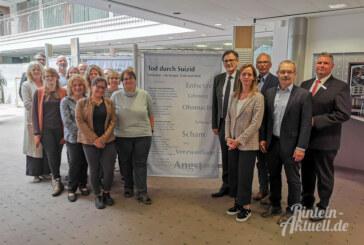Wanderausstellung zum Thema Suizid bis 1. Oktober in der Sparkasse Schaumburg