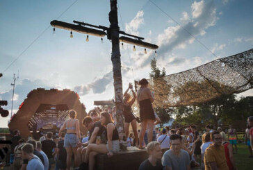 Der Wettergott ist ein DJ: Wesertekk Open Air 2019 im Freibad bringt Publikum ins Schwitzen