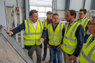 """""""Woche der Industrie 2019"""": Bundestagsabgeordneter Maik Beermann zu Besuch bei AHE Weserkies"""