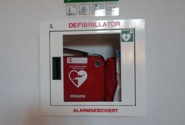 Sechs Defibrillatoren in Gebäuden der Stadt Rinteln installiert