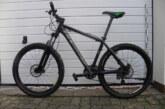 Polizei nimmt Fahrraddiebe fest: Wem gehören diese Räder und Teile?