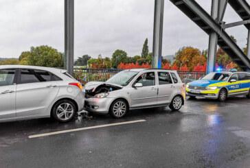 Verkehrsunfall auf der Weserbrücke