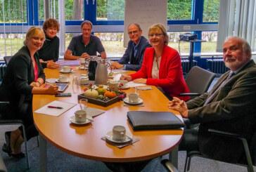 Herausforderung berufliche Bildung: Marja-Liisa Völlers lädt heimische Schulleitungen zum Runden Tisch