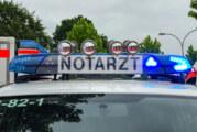Motorrad und zwei PKW beteiligt: Zwei Menschen bei Unfall zwischen Goldbeck und Friedrichswald verletzt