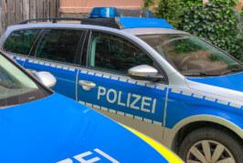 Wilde Müllentsorgung an der Hartler Straße: Zeuge notiert Kennzeichen, Polizei ermittelt