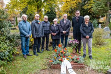 Stiftung für Rinteln: Kranzniederlegung in Gedenken an Elisabeth Böndel