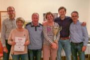 Netzeeinholen des Tennisvereins Rot-Weiß Rinteln mit Pokalverleihung