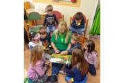 """Bundesweiter Vorlesetag mit """"Hase Hibiskus"""" im Comenius-Kindergarten"""