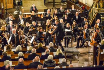 Virtuos an der Violine: Göttinger Symphone Orchester und Louise Wehr begeistern in St. Nikolai