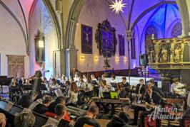 Weihnachten kann kommen: Schüler des Ernestinums musizieren bei festlichem Konzert in St. Nikolai