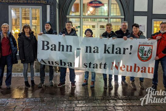 Bürgerinitiative Auetal demonstriert gegen neues Gesetz
