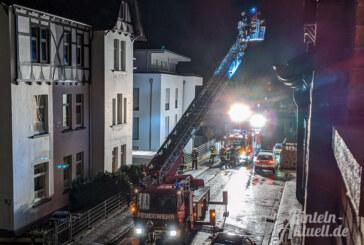 """Sturm löst Dachpfannen: """"Sabine"""" sorgt für Feuerwehreinsatz in Rintelner Altstadt"""