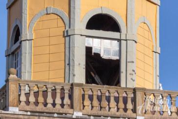 Wo sind die Fenster am Nikolai-Kirchturm geblieben?