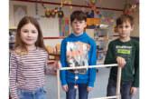 Krankenhagen: Grundschulkinder bauen Spielgeräte
