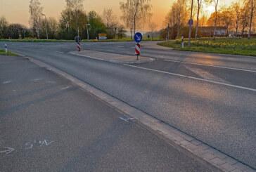 Tödlicher Verkehrsunfall in Rinteln: Mann wird bei Überqueren der L435 von Auto erfasst