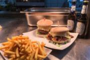 """(Update: Jetzt jeden Samstag und Sonntag) """"Classic"""" oder """"Pulled Pork"""": Burger-Aktion beim Waldgasthaus Homberg"""