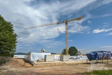 Fertigstellung der Schule für August 2021 geplant: Holzkonstruktion für IGS-Neubau angeliefert