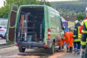 Gefahrguteinsatz in Rintelner Nordstadt: Chemikalie auf Baumarkt-Parkplatz ausgelaufen