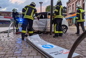 (Update: Corona-Test ist negativ) Nach Verkehrsunfall: Warten auf Corona-Testergebnis des Fahrers